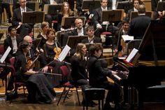 """Was für ein beschwingter Abend! """"Tanzschritte"""" hieß das Motto des Konzerts mit dem Göttinger Symphonie-Orchester (GSO) am Freitag in der voll besetzten Stadt..."""
