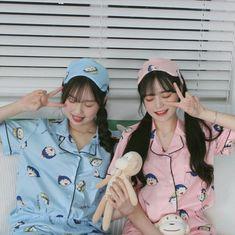 Mayumi and Seo Minji Mode Ulzzang, Ulzzang Korean Girl, Cute Korean Girl, Ulzzang Couple, Asian Girl, Bff Girls, Cute Girls, Foto Best Friend, Korean Best Friends