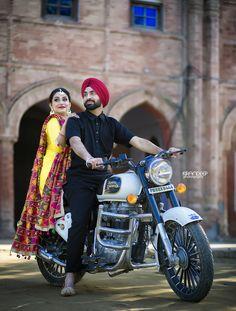 Ideas Bike Photoshoot Inspiration For 2019 Punjabi Wedding Couple, Indian Wedding Couple Photography, Wedding Couple Photos, Punjabi Couple, Couple Photography Poses, Wedding Couples, Mehendi Photography, Photography Ideas, Punjabi Girls