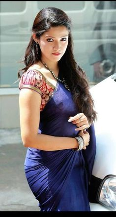 Page Coments on picture posting Pics n Vids (glamour) Indian Dresses, Indian Outfits, Beautiful Saree, Beautiful Dresses, Beautiful Women, Bollywood, Saree Models, Saree Dress, Sari Blouse