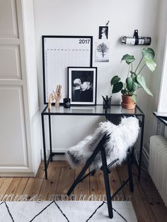 cozy desk space