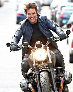 "Képtalálat a következőre: ""tom cruise Ducati 999r, Tom Cruise, Triumph Speed Triple, Triumph Bonneville, Kawasaki Gpz900r, Happy Birthday Tom, Ethan Hunt, Harley Davidson, Best Action Movies"
