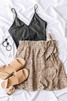 The Copper Closet Fashion Boutique Clothing Affordable Style Woman S ~ the copper closet fashion boutique kleidung erschwinglicher stil frau s. ~ the copper closet fashion boutique clothing affordable style woman s Fashion Mode, Teen Fashion Outfits, Mode Outfits, Fashion Ideas, Ootd Fashion, Fashion Trends, Fashion Tips, Petite Fashion, 80s Fashion
