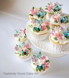 Pretty floral cupcakes for Mila's birthday. Pretty floral cupcakes for Mila's birthday. Fairy Birthday Cake, Butterfly Birthday Cakes, Butterfly Cupcakes, Floral Cupcakes, Girl Birthday Cupcakes, Baby Shower Cupcakes For Girls, Birthday Ideas, Butterfly Baby Shower, Butterfly Party