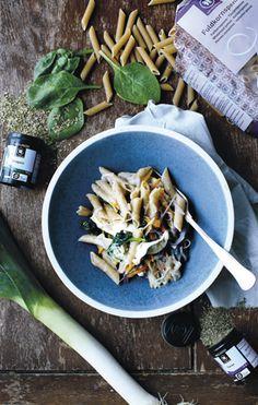 Fra en lille kryddeributik i 1972 til en hel verden af økologiske Urtekram produkter. Organic Recipes, Ethnic Recipes, Eat To Live, Food Inspiration, Broccoli, Recipies, Curry, Passion, Bird