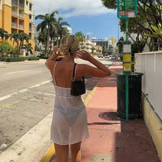 """""""i need summer"""" Summer Girls, Estilo Ivy, Look Fashion, Fashion Outfits, Womens Fashion, Mädchen In Bikinis, Summer Aesthetic, Agent Provocateur, Summer Vibes"""