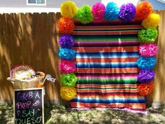 Fiesta-themed party - Decoration For Home Mexican Birthday Parties, Mexican Fiesta Party, Fiesta Theme Party, Festa Party, Party Themes, Party Ideas, Mexico Party Theme, Taco Party, Theme Parties