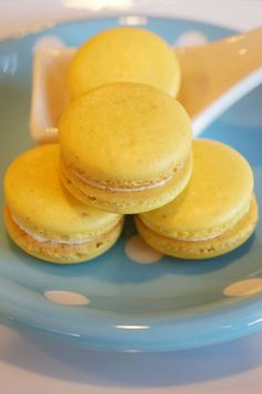 Passion fruit macarons *