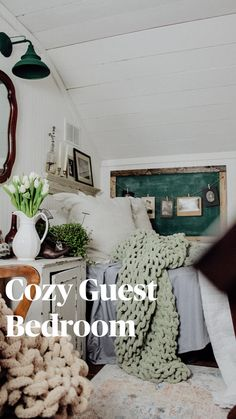 Cottage Bedrooms, Cozy Bedroom, Bedroom Storage, Bedroom Ideas, Master Bedroom Design, Bedroom Vintage, Home Hacks, Bedroom Furniture, Farmhouse Decor