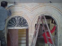 2 - Ricostruzione portale in tufo - durante i lavori