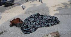 Meral Akşener'e etekli ve ayakkabılı protesto