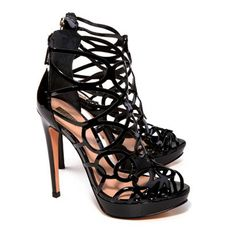 bc8ceffe37c SANDÁLIA GLADIADORA VERNIZ PRETA - Schutz Me Too Shoes
