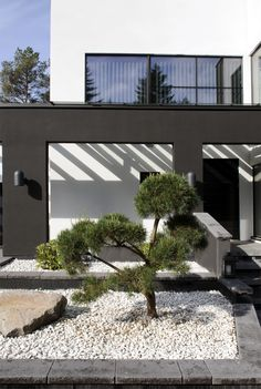 AITO KIVITALO Interior Garden, Interior Design, House Exteriors, House Goals, Architect Design, White Decor, Cozy House, My Dream Home, Terrace