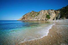 Playa del Silencio en Asturias occidental. Travel Around The World, Around The Worlds, Asturias Spain, Spanish House, Bilbao, Beautiful Places, Places To Visit, Sea, Outdoor