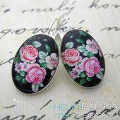 Kukkiva puutarha 18€ #roses #camee #cameo #earrings #vanhanajankorvikset
