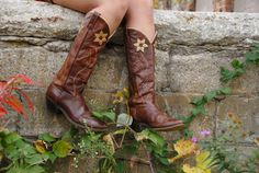 Floral boho boots, brown leather flower patchwork embroidery stacked wooden heel, tall calf retro pull-on western cowgirl cowboy 10
