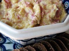 Yum... I'd Pinch That! | Crockpot Reuben Dip