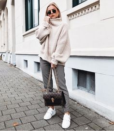 "1,026 Likes, 21 Comments - Bloglovin' Fashion (@bloglovin_fashion) on Instagram: ""Heavy knit heaven ❄️ 