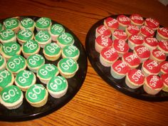 So, I volunteered to make cupcakes for the pinewood derby for cubscouts and I baked from the time I got home from work - roughly about 515 u. Girl Scout Swap, Girl Scout Leader, Cub Scouts Bear, Boy Scouts, Daisy Cupcakes, Ios, Pinewood Derby Cars, Scout Activities