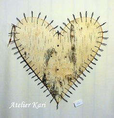 Atelier Kari naturdekorasjoner og kranser Insects, Hearts, Home Appliances, Decorations, Nature, Atelier, House Appliances, Naturaleza, Dekoration