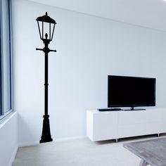 """Adesivo Murale - Lampione darà un tocco di creatività alla vostra casa!  Adesivo murale di alta qualità con pellicola opaca di facile installazione. Lo sticker si può applicare su qualsiasi superficie liscia: muro, vetro, legno e plastica.  L'adesivo murale """"Lampione"""" è ideale per decorare il vostro soggiorno. Adesivi Murali."""