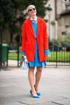 Elisa Nalin shelved prints for a bold mix of orange and sky blue. Handbag manufacturer Parikas.com