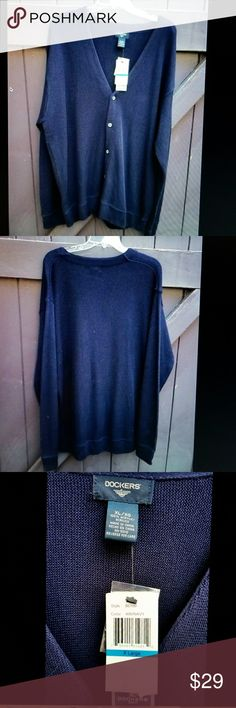 Men's Dockers Golf Sweater NWT XL Dockers new with tag men's golf cardigan sweater, dark navy blue, has extra buttons, loose fit, machine washable. Dockers Sweaters Cardigan