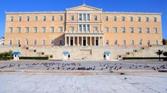 Greek Parliament In Athens, Greece Places To Visit, Louvre, Street View, Mansions, House Styles, Building, Travel, Athens Greece, Greek