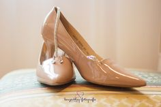 Times New Roman, Videos, Fit, Heels, Fashion, Accessories, Heart Beat, Wedding, Heel