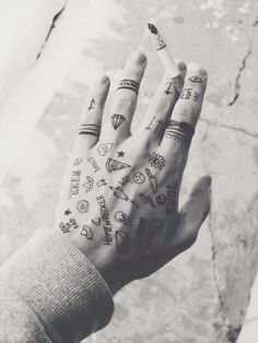 http://tattoo-ideas.us/wp-content/uploads/2014/04/Awesome-Inked-Hand.jpg Awesome Inked Hand #Handtattoos, #Minimalistic