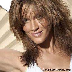 RESULTATS Google Recherche d'images Correspondant à http://www.coupe-cheveux.org/photos/femme-cheveux-mi-longs-53.jpg