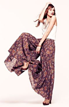 Gypsy hippie hippy feather boho bohemian style pants! Check for more on pinterest.com/ninayay and stay positively #pinspired #pinspire
