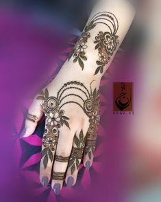 New bridal mehendi designs canvas paintings ideas Arabian Mehndi Design, Khafif Mehndi Design, Mehndi Design Pictures, Unique Mehndi Designs, Beautiful Henna Designs, Latest Mehndi Designs, Simple Mehndi Designs, Mehndi Images, Finger Henna Designs