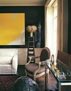 "In the 1960s, legendary David Hicks lacquered the walls of his Chelsea living room in a color he called ""Coca-Cola."""