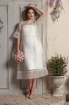 Modern wedding dress with sheer.- Modern wedding dress with sheer. Simple vintage wedding dress with lace - Lace Dresses, Vintage Dresses, Short Dresses, Wedding Dresses, Dress Lace, Organza Dress, Reception Dresses, 1950s Dresses, Lace Chiffon