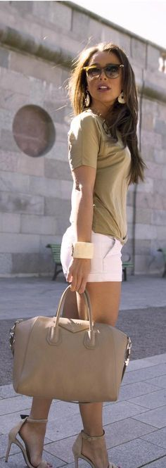 Great and simple outfit for the summer! Would love this in my closet