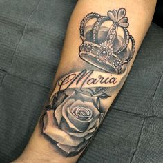 Be inspired by 80 crown tattoo images that show you will become a real queen choosing this art to immortalize the body. Crown Tattoos For Women, Names Tattoos For Men, Tattoos For Women On Thigh, Rose Tattoos For Men, Best Tattoos For Women, Sleeve Tattoos For Women, Blue Rose Tattoos, Family Tattoos For Men, Dope Tattoos