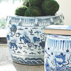 """Beautiful Blue and White Lion Motif Round Planter 16""""H"""
