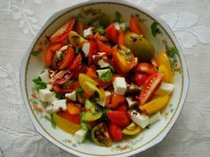 Caprese Salad with Spicy-Sweet Balsamic Reduction #recipe #salad #tomato
