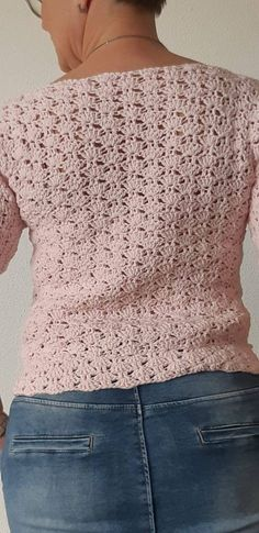 Dressing young is not an excuse either to pull out whatever residues of the closet we had as teens from storage and begin using them once again. Knitting Designs, Knitting Stitches, Free Knitting, Knitting Patterns, Crochet Patterns, Crochet Hood, Crochet Shawl, Crochet Easter, Crochet Video