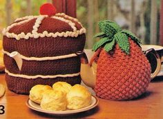 VINTAGe 1960s TeAPOT COSIeS SeT Of 2 CHOCoLATE GATeAU CAkE AnD PINEAPPLE -Great For GifT-MiXeD TeAPOTS 8 PLY - Knitting PDF Instant Pattern