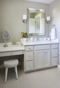 Girl's bathroom with makeup vanity. Gray and white bathroom. Jillian Lare Interi… Girl's bathroom with makeup vanity. Gray and white bathroom. Bathroom With Makeup Vanity, Bathroom Styling, Bathroom Vanities, Chic Bathrooms, Master Bathrooms, Bathroom Cabinets, Bathroom Shelves, Iowa, Luxury Interior Design