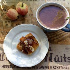 #leivojakoristele #omenahaaste Kiitos @viljattomanvallaton French Toast, Pudding, Breakfast, Desserts, Food, Morning Coffee, Tailgate Desserts, Deserts, Custard Pudding
