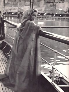 Marlene Dietrich as Maria de Crevecoeur from The Monte Carlo Story Marlene Dietrich, Lili Marlene, Old Hollywood Glamour, Golden Age Of Hollywood, Vintage Hollywood, Hollywood Stars, Classic Hollywood, Hollywood Fashion, Divas
