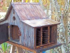 COUNTRY FARM SHED BIRDHOUSE WITH TIN ROOF by millcreekcrafts Decorative Bird Houses, Bird Houses Diy, Fairy Houses, Farm Shed, Birdhouse Designs, Bird Boxes, American Decor, Country Farm, Decoration