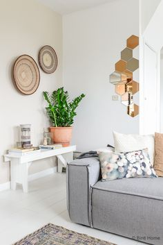 Binti Home blog : Interieurinspiratie, woonideeën en stylingtips   Binti Home interieurblog is opgericht door interieurontwerpster Souraya Hassan en staat vol stylingtips, interieurtrends, kleurinspiratie en woonideeën voor in huis.
