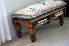 cute little pallet bench.  legs were made from fence post toppers.