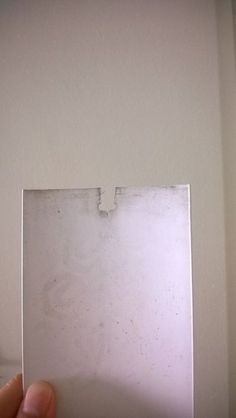 Fix Broken Vertical Blinds With Bread Clips - Instructables Bread Clip, Blind Repair, Broken Home, House Blinds, Mini Blinds, Home Pictures, Sliding Doors, Helpful Hints, Hacks