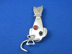 VINTAGE STERLING SILVER CAT PIN BROOCH CARNELIAN & ONYX STONE W/ MOVABLE TAIL