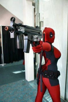 Lady Deadpool cosplay by BelleChere Lady Deadpool, Deadpool Cosplay, Cosplay Marvel, Superhero Cosplay, Female Deadpool, Deadpool Art, Dead Pool, Amazing Cosplay, Best Cosplay